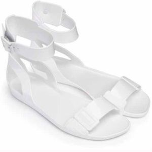 White Hunter Jelly Ankle strap sandals